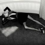 サンローラン広告の痩せすぎオランダ人モデル、キキ・ウィレムス
